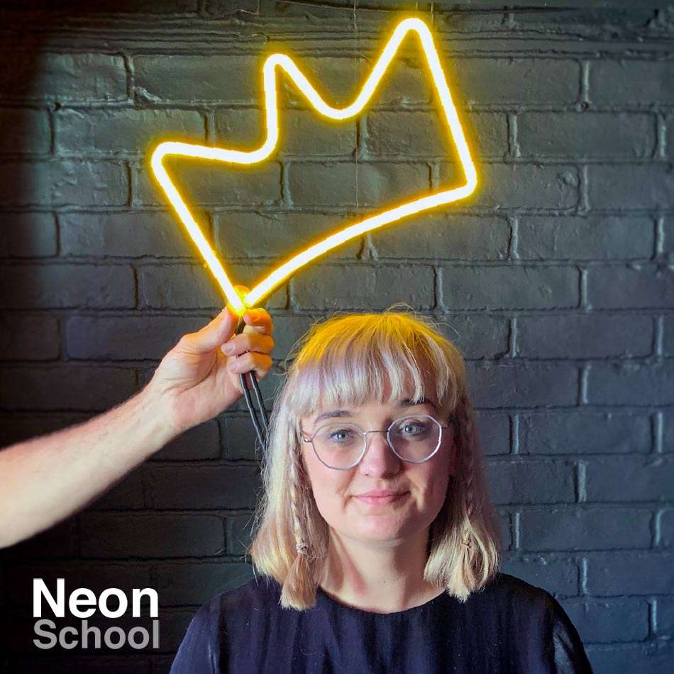 Amy Neon Student